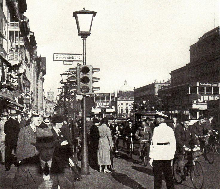 Berlin street 1933